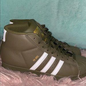 High top Shell toe Adidas